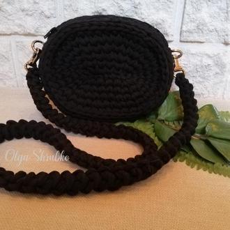 Чорна сумочка через плече
