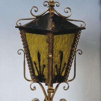 Кованный фонарь