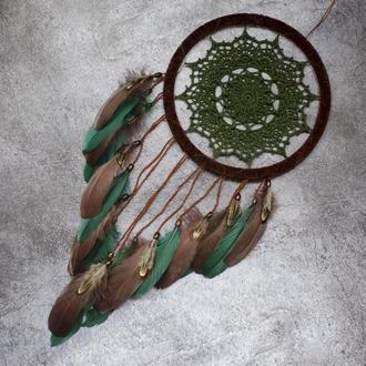 Бохо ловец снов. Ловец снов с вязаной салфеткой в бохо стиле. Оливково зеленый ловец снов.