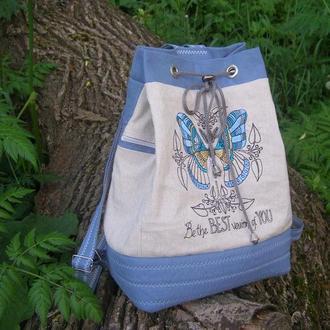 Льняной рюкзак с вышивкой .