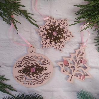 Новогодние елочные игрушки нежный пастельный розовый новогодние игрушки набор снежинка шарик