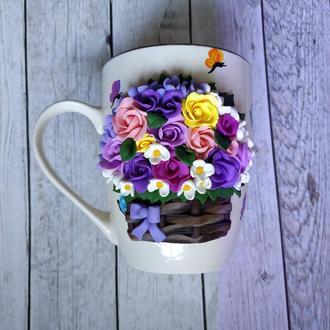 Кружка с цветами, букет на кружке из полимерной глины