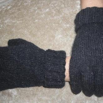 Перчатки из овечьей шерсти.