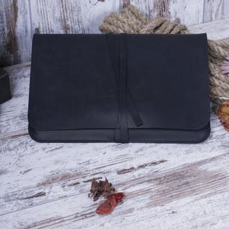 Кожаный чехол для ноутбука на ремешке черный