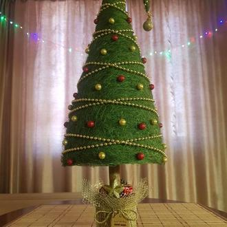 Большая елка из сизаля