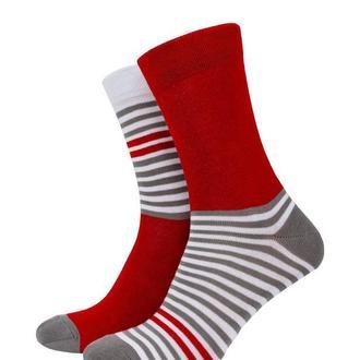 Gray-red stripe