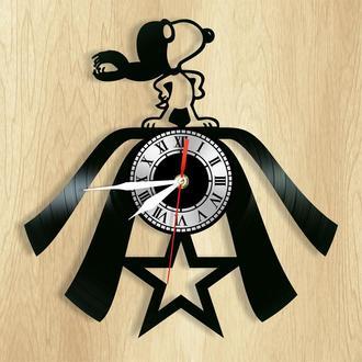 """Настенные часы """"Snoopy"""" - необычный подарок для себя и своих близких."""