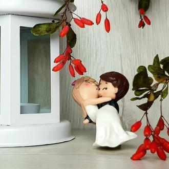Фигурки свадебные на торт статуэтка жених и невеста из полимерной глины