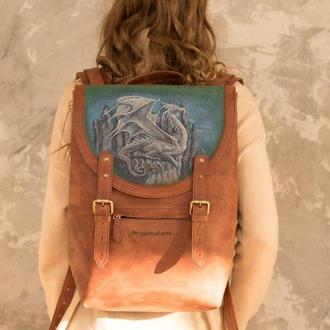 Рыжий кожаный большой рюкзак с росписью дракон и гравировкой