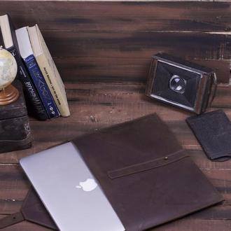 Кожаный чехол для Macbook на кобурной застежке коричневый