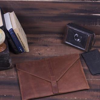Кожаный чехол для Macbook на кобурной застежке