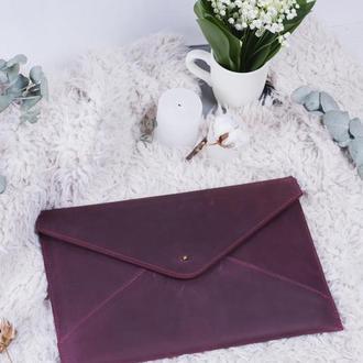 Кожаный бордовый чехол для ноутбука на кобурной застежке