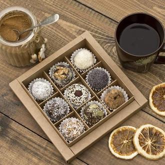 Набор полезных конфет из сухофруктов