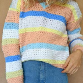 Стильный объемный вязаный свитер