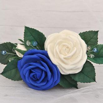 Заколка зажим синие белые розы Свадебное украшение в волосы с цветами
