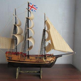 Деревянная модель корабля