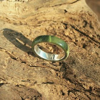 Деревянное кольцо на серебряной основе. Сувель берёзы.