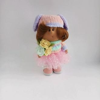 Кукла Тильда в шапке с висячими ушками