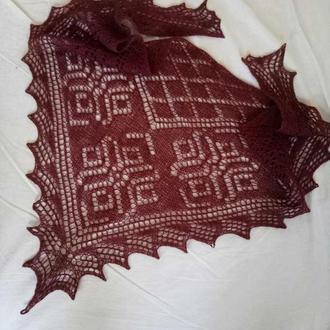 Шаль-бактус шикарного винного цвета из пуха верблюда
