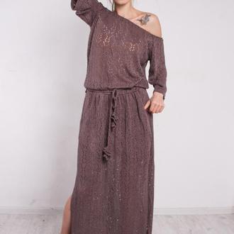 Коричневое вязаное макси платье с разрезами и карманами