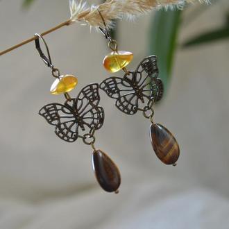 Серьги из янтаря и тигрового глаза ′Янтарная бабочка′