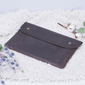 Кожаный чехол для ноутбука на кнопках коричневый