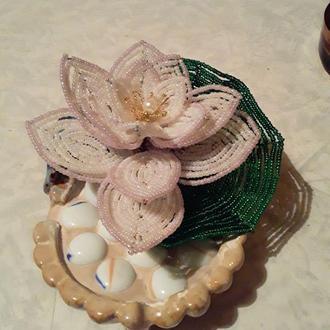 Кувшинка из бисера,цветы из бисера