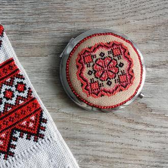 Карманное зеркальце в этно стиле