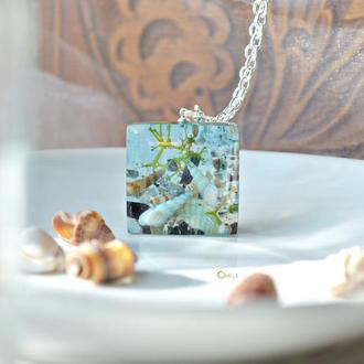 Морський кулон на сріблі, з справжніми часточками моря