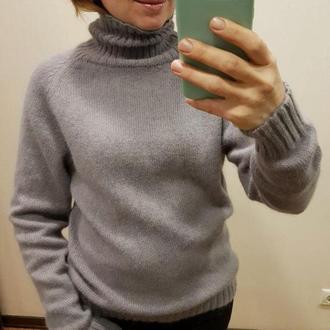 Ангоровий светр
