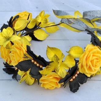 Венок для волос с желтыми розами и черными бабочками Венок на голову с цветами