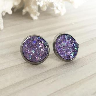 Серьги гвоздики с фиолетовым камнем