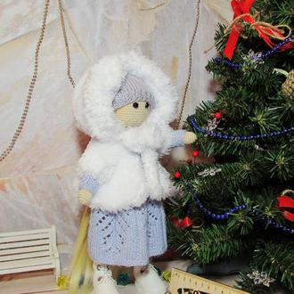 Куколка зимняя с комплектом одежды вязаная тыквоголовка
