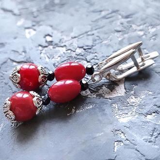 Сережки з натуральними коралами та срібними застібками червоні коралові сережки