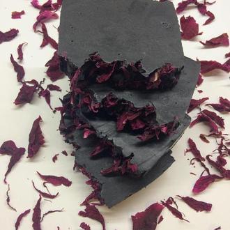Шунгитовое мыло с лепестками розы