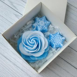 Сувенирное мыло: набор роза и снежинки