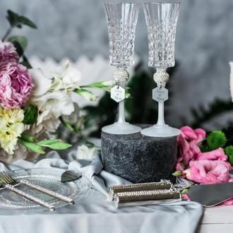 Свадебные бокалы Сияние страз. Хрустальные бокалы на свадьбу.