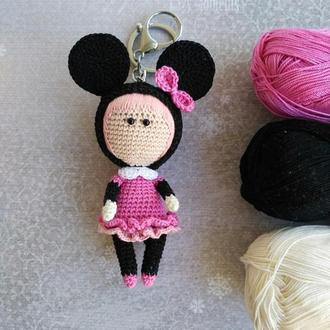 Вязаный брелок игрушка Минни Маус, подвеска на сумку