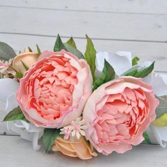 Гребень в прическу с пионами,персиковыми розами и фрезией Свадебное украшение в волосы