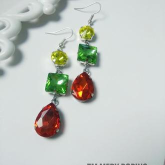 Крупные яркие серьги из кристаллов