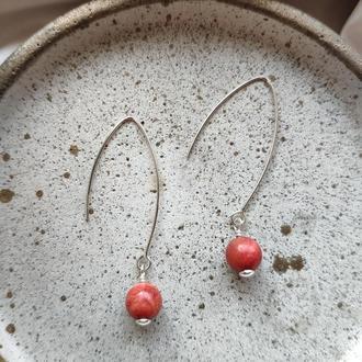 Серебряные сережки с красным кораллом