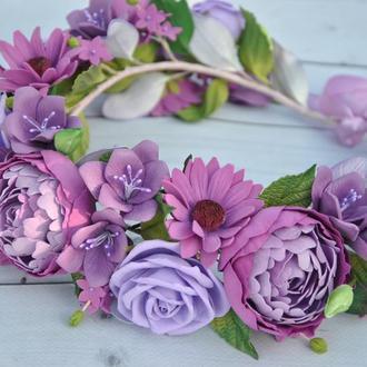 Пышный венок с цветами в лавандовых тонах Украшение в волосы венок с розами и пионами