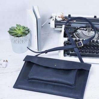 Кожаный чехол для ноутбука с ремешком синий