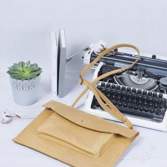 Кожаный чехол для ноутбука с ремешком желтый