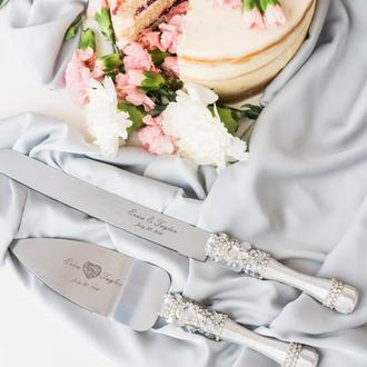 Приборы для свадебного торта Белый коралл. Нож и лопатка в белом цвете