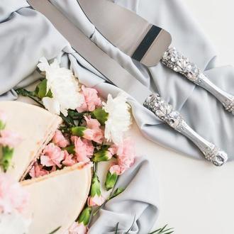 Приборы для свадебного торта Белый сапфир. Нож и лопатка в серебряном цвете