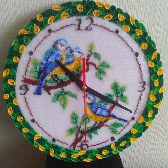 Настенные часы ручной работы из бисера