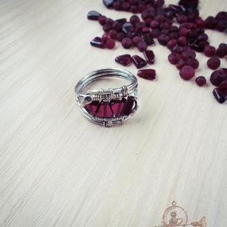 Кольцо Грация. Серебро, гранат