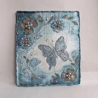 Бирюзовая бабочка