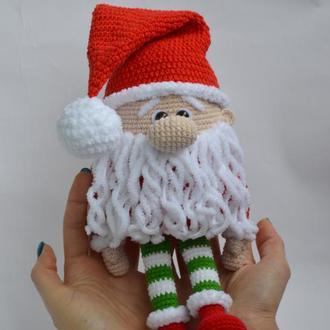 Новогодний гномик (игрушка вязаная крючком)
